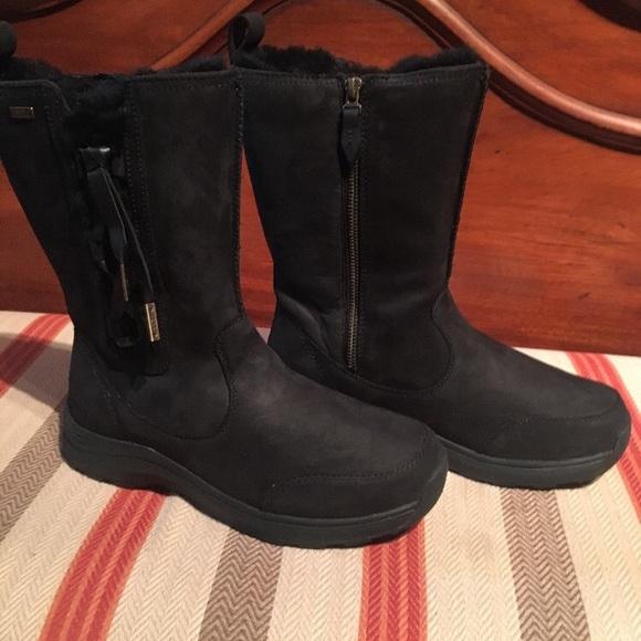 e990cc43b0e Ugg Women's Suvi Leather Women's Black Boots